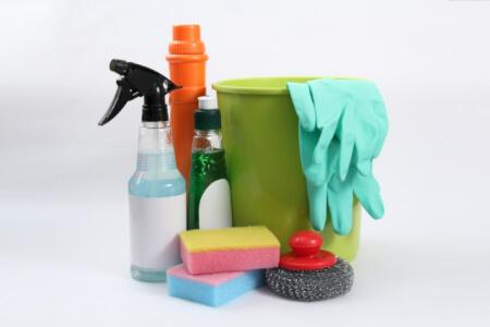 トイレの黒ずみを擦らずに簡単にきれいにする方法とは?!