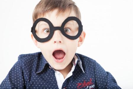乱視の原因と対策は?子供が乱視と分かったらどうする?