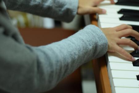 電子ピアノ初心者が買う時のポイント!子供におすすめはどの電子ピアノ?