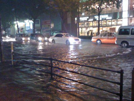 台風7号情報 最新の日本各地の状況をライブカメラで紹介
