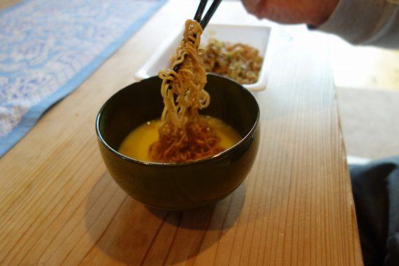 ペヤング焼きそばにコーンスープをつけて食べてみた感想